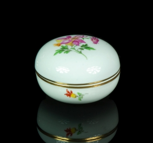 Porcelain box, Meissen, 20th century