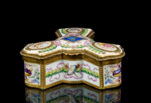 Porcelain Box, Choisy le Roi, France, 19th century
